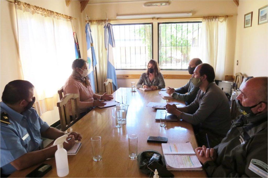 Reunión de trabajo con instituciones de seguridad y bosques
