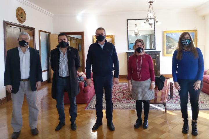 El Ministro de Defensa, Agustín Rossi recibió a la Presidenta y Directores de la Corporación Interestadual Pulmarí