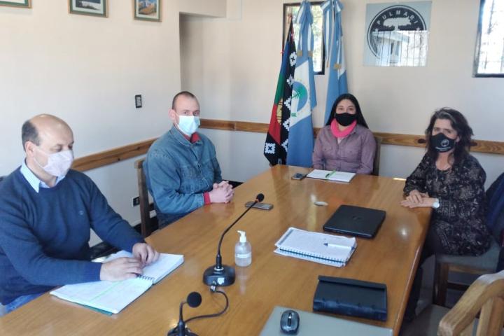 La CIP y la Municipalidad de Aluminé coordinan Programa de Cría de Pollos Parrilleros. También trabajan en la concientización para la separación de residuos en origen en el territorio.